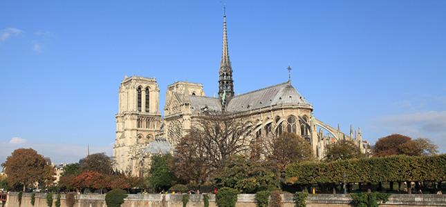 Cathédrale Notre-Dame de Paris …<br/>Écoutez François Cheng !… MAGNIFIQUE !…