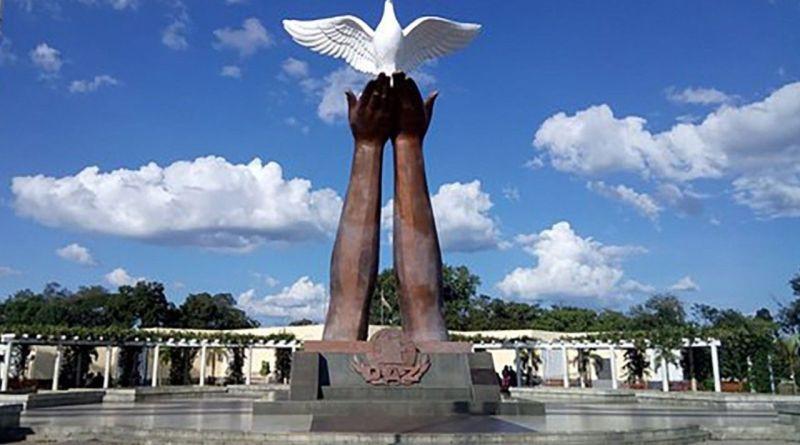 Angola Monumento da Paz