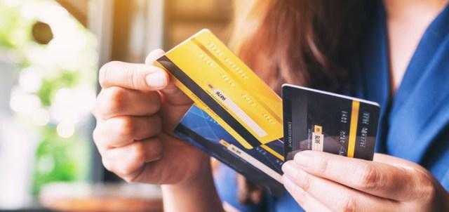 mujer tarjetas credito
