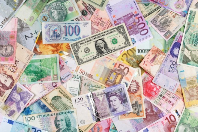 Comparing currencies: fiat, crypto, and virtual
