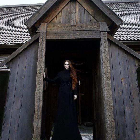 Instagrammer Helheimen as the goddess Hel.