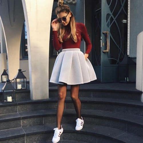 chaussures-femme-tendance-mode-soleil-jupebaskets-mode-idéelook-printempsété2019-baskets-sneakers