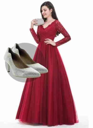 tendance-chaussuresonline-blogchaussures-baldepromo-ideelook-nerogiardini-chaussuresitaliennes-7971-or-brillant-talonsaiguilles-femme-robe-mode-shootingphoto-etudiant-escarpins-soiree