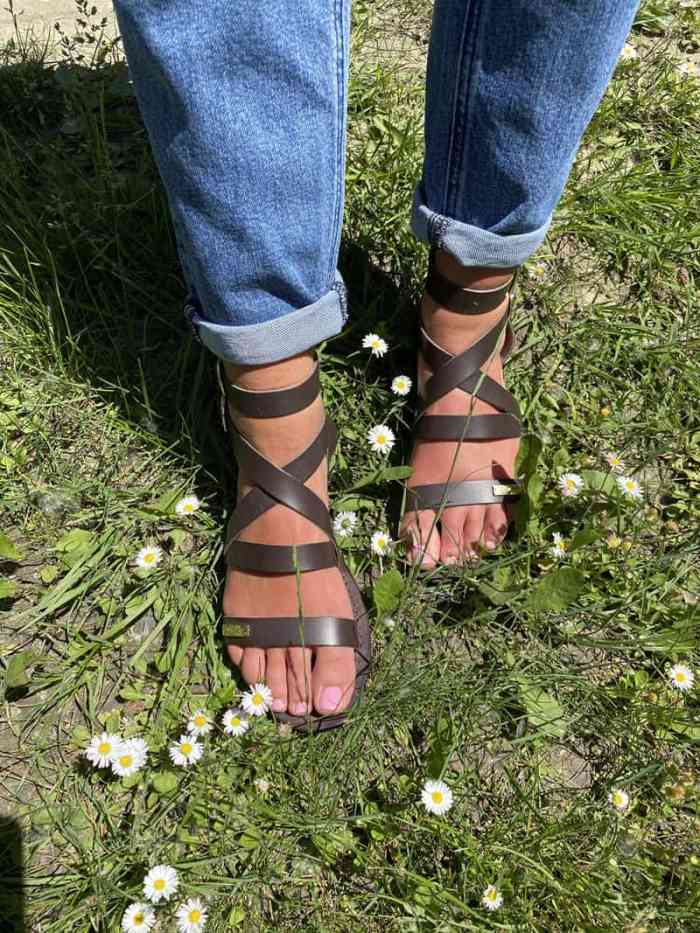 Chaussures les tropéziennes. Modèle OCEANIE marron foncé. Disponibles sur chaussuresonline.com