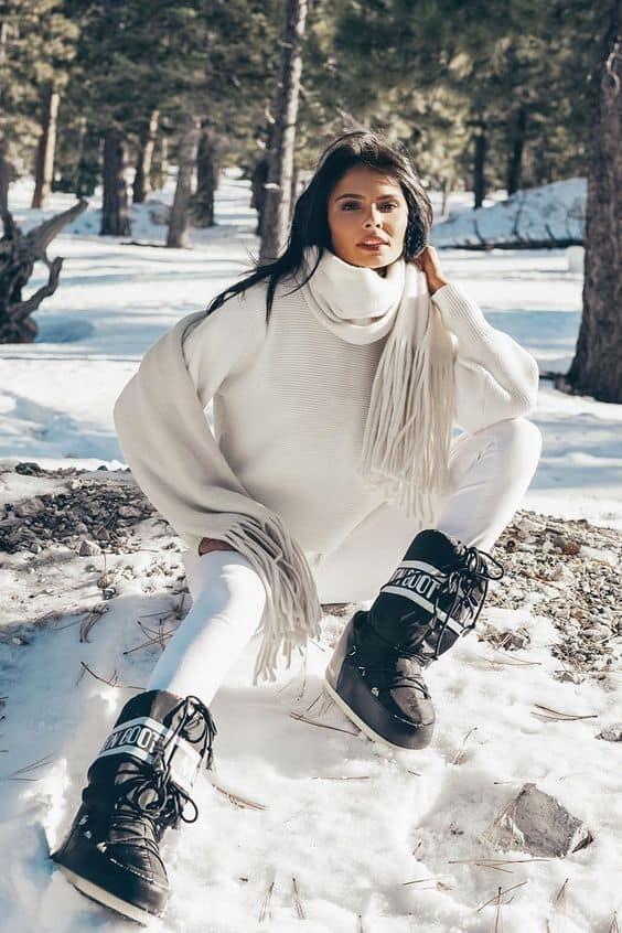 Outfit Moon boots et pantalon clair