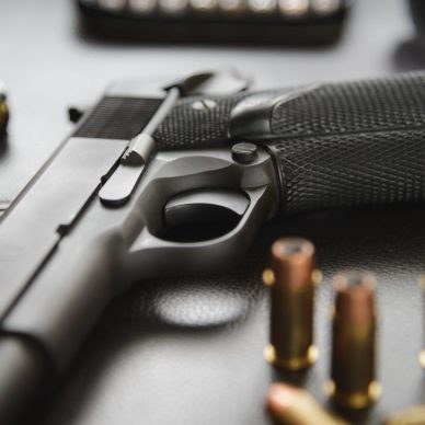 Pistol semi-automatic .45 caliber