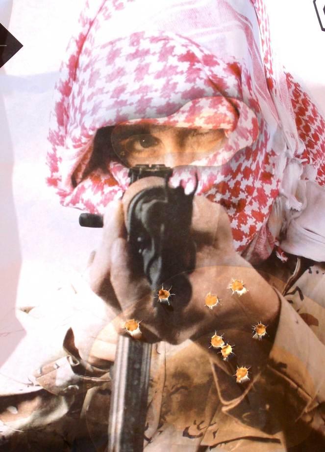 Rapid fire group on terrorist target