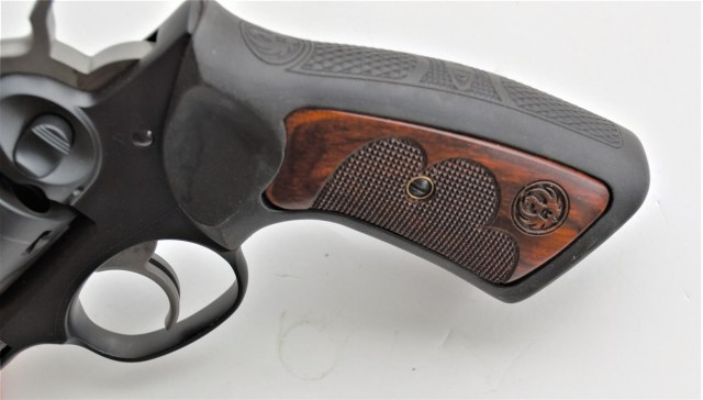 insert in Ruger GP100 grips