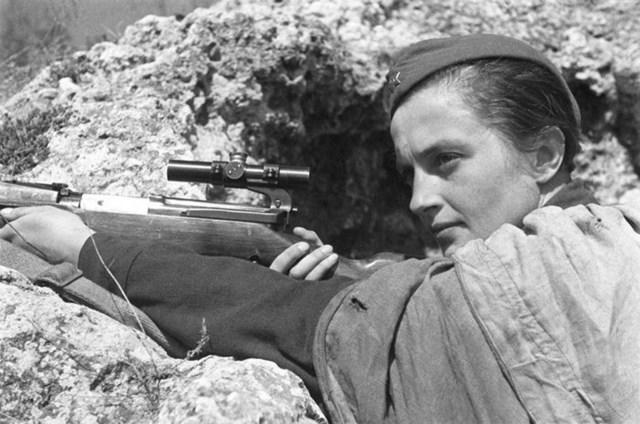women in firearms - lyudmila pavlichenko