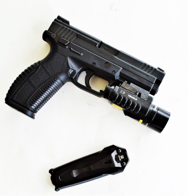everyday carry gear - best accessories