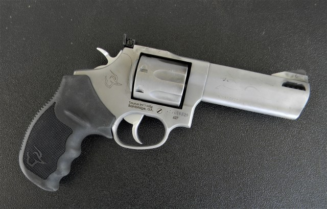 Taurus 627 Tracker Revolver
