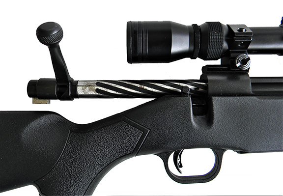 Fluted rifle bolt on the Mossberg Patriot