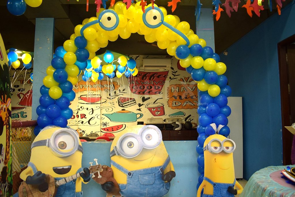 Consider these 7 theme surprise party for your child's birthday-minion theme party