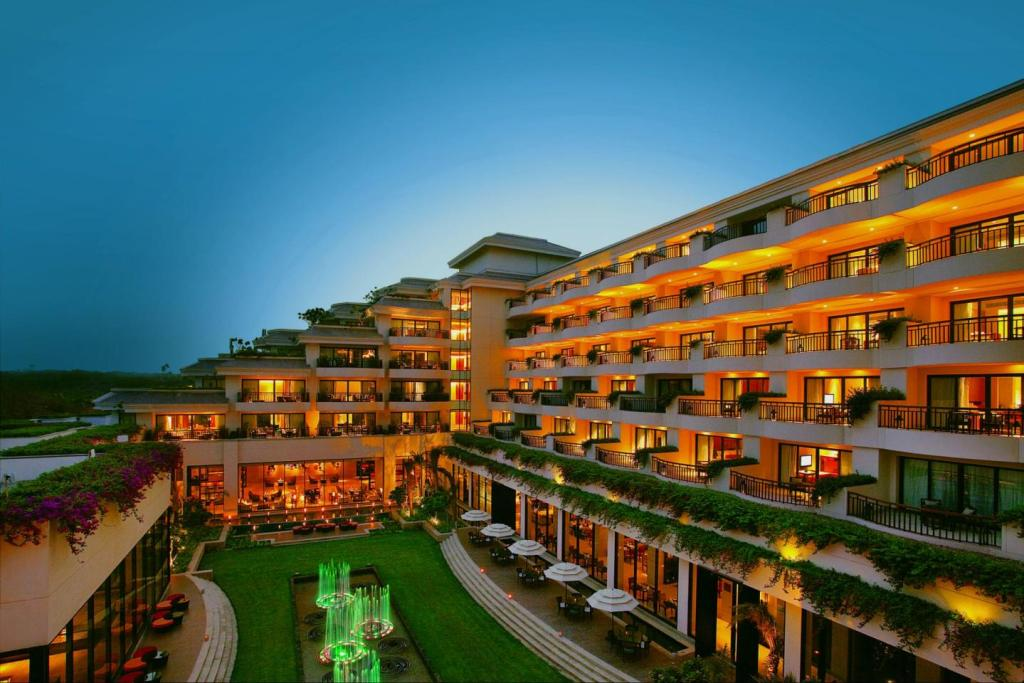 10 Safe Places to go on a date this Valentine's Day 2021 in Delhi NCR-taj vivanta