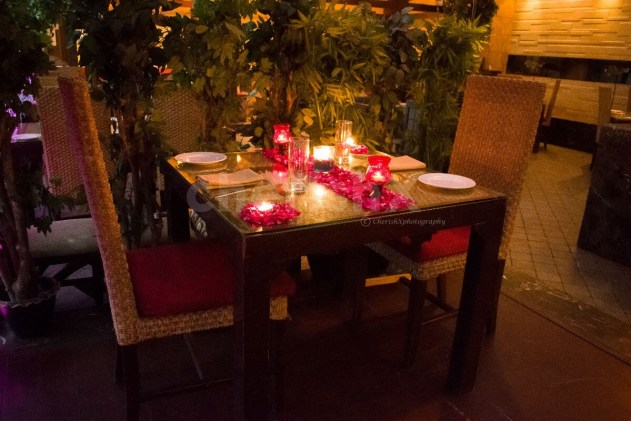 Explore these 10 Amazing Ideas to Celebrate Your Wedding Anniversary the Perfect Way-candlelight dinner