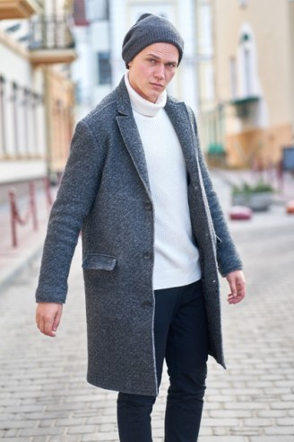 The Ultimate Guide to Dress Up For a Date this Valentine's [Men Edition-lunch date-long coat