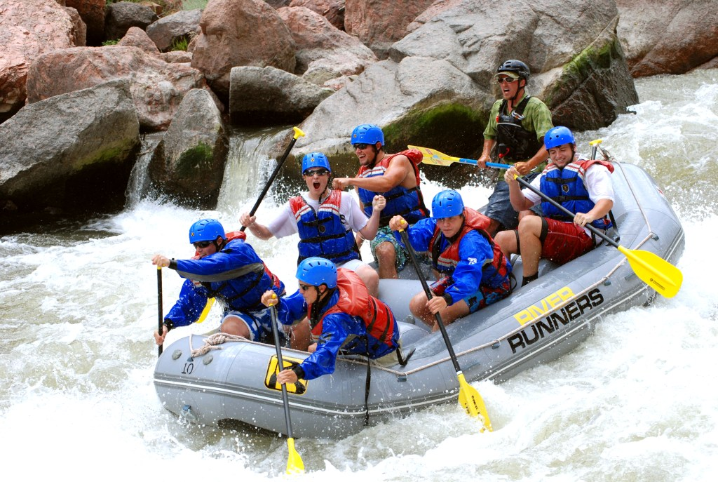 Top 9 most fascinating adventure sports that you should definitely try-river rafting