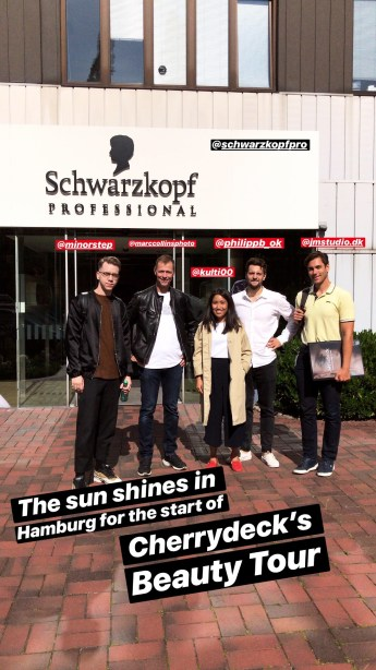 Group of people in front of Schwarzkopf building