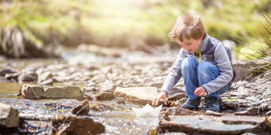 Walking-hiking-with-kids