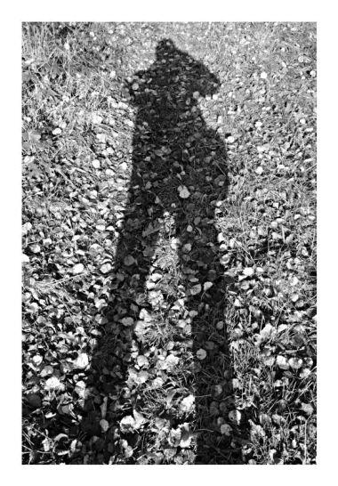 Selbstbildnis im Wald - als Schatten
