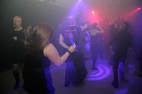 Schwarzlicht: Floor II. mit Blitz als Hilfslicht