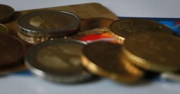 Bargeld und Plastikgeld