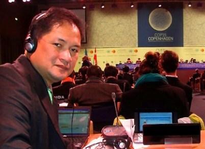 Antonio La Viña, Decano de la Facultad de Gobierno de la Universidad Ateneo de Manila y Presidente de las negociaciones de REDD en la CMNUCC COP, como delegado de Filipinas en la conferencia de la CMNUCC COP15. Foto por: http://ecohope.blogspot.com