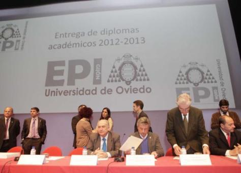 20130531- foto entrega titulos EPI con CITIPA y COIIPA