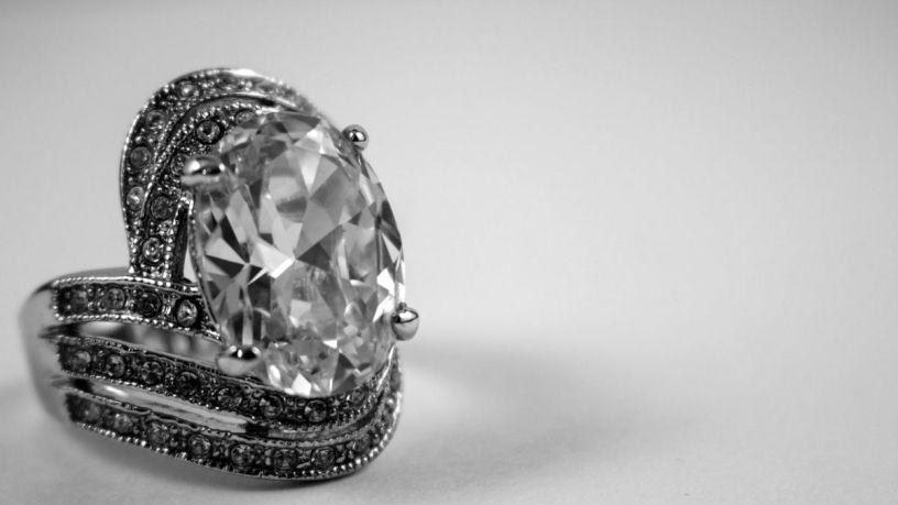 Cómo limpiar tus joyas de plata