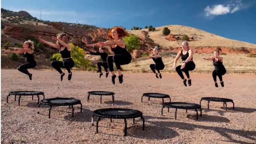 5 Beneficios de ejercitarte con un trampolín