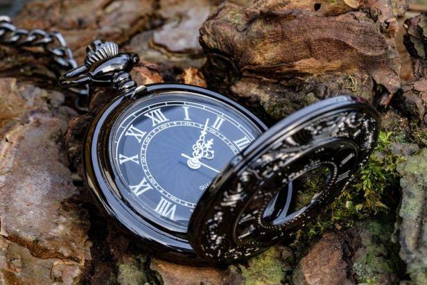 reloj de bolsillo negro - Claro Shop