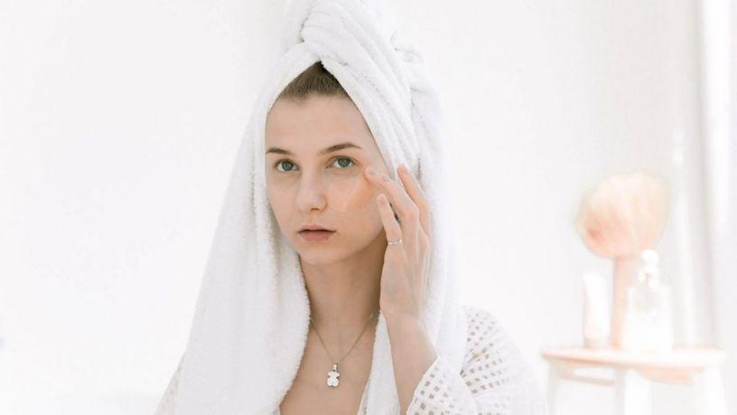 7 beneficios de usar contorno de ojos