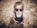 ¡No le pongas lentes de sol a tu bebé!