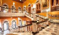 Taj-Falaknuma-Palace-Staircase-classictravel-com-virtuoso