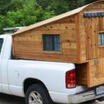 O cabana din lemn in portbagajul unei masini! POZE