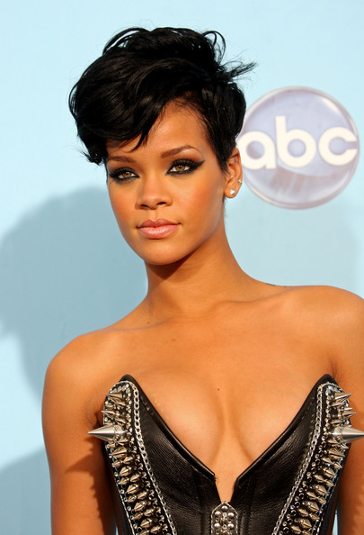 Rihanna+2008+American+Music+Awards+Press+Room+7gfYBBhl2sAl