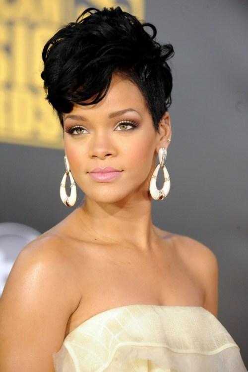 Rihanna-2008AMA-Arrivals_Vettri.Net-14