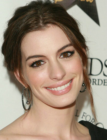 Coolspotting Anne Hathaway
