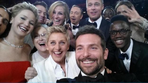 gli-oscar-2014-su-twitter-grazie-ai-selfie