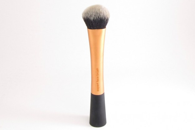 Real-Techniques-Expert-Face-Brush-Front-View1
