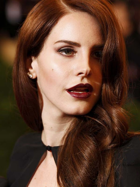 Lana-del-Ray-Met-Ball-2012