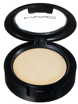 m.a.c.-cream-color-base-in-pearl
