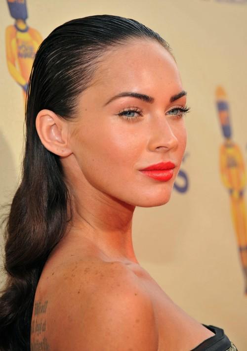 Megan-Fox-orange-lips