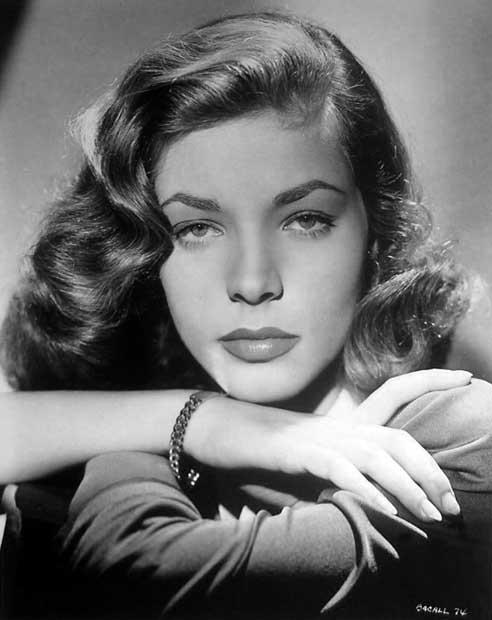 La bellissima Lauren Bacall è deceduta proprio pochissimi giorni fa all'età di 89 anni.  Divina!