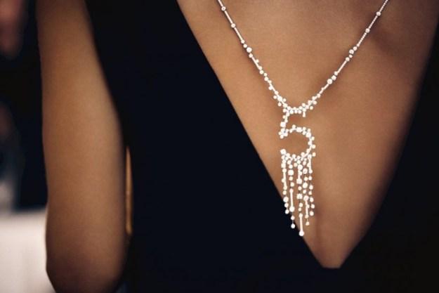 no-5-diamond-pendant