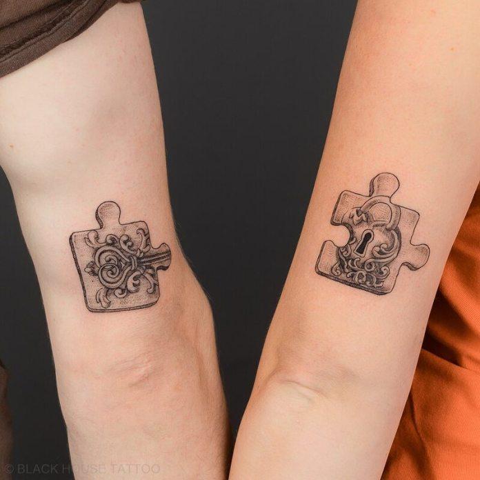 cliomakeup-tatuaggi-di-coppia-puzzle-chiave-lucchetto