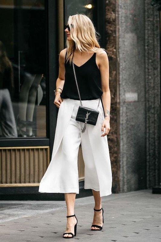 cliomakeup-pantaloni-a-palazzo-corti-bianchi-con-sandali