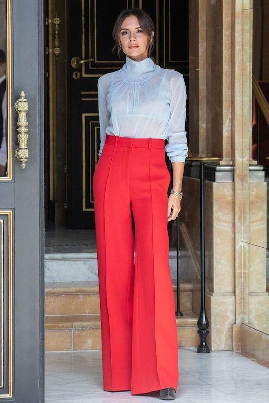 I pantaloni a palazzo: chic, versatili e adorati dalle
