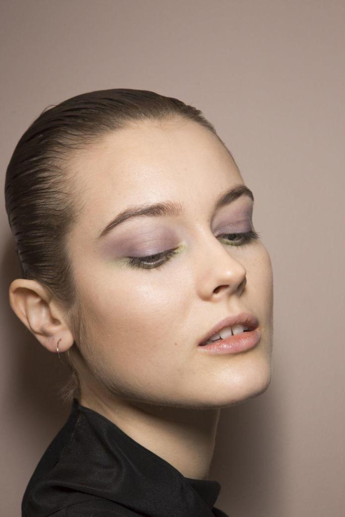 cliomakeup-colori-trucco-autunno-inverno-viola-malva-altuzarra.jpg