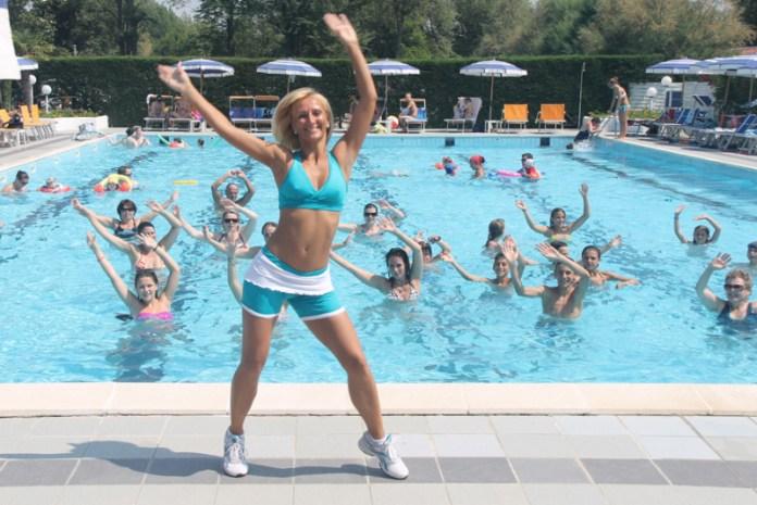 cliomakeup-fitness-in-acqua-acquadance3.jpg